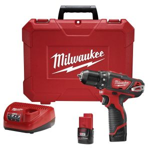 Milwaukee M12 3/8 in. Cordless Drill Driver w/ (2) Batteries Kit